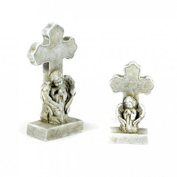 Trauer-Engel,betend vor Kreuz