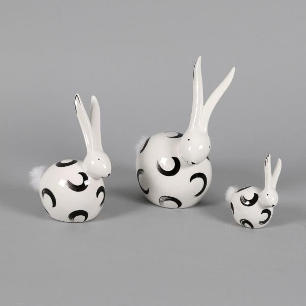 Keramik Langohr-Hase Felix mit weißem Puschel, schwarz/weiß