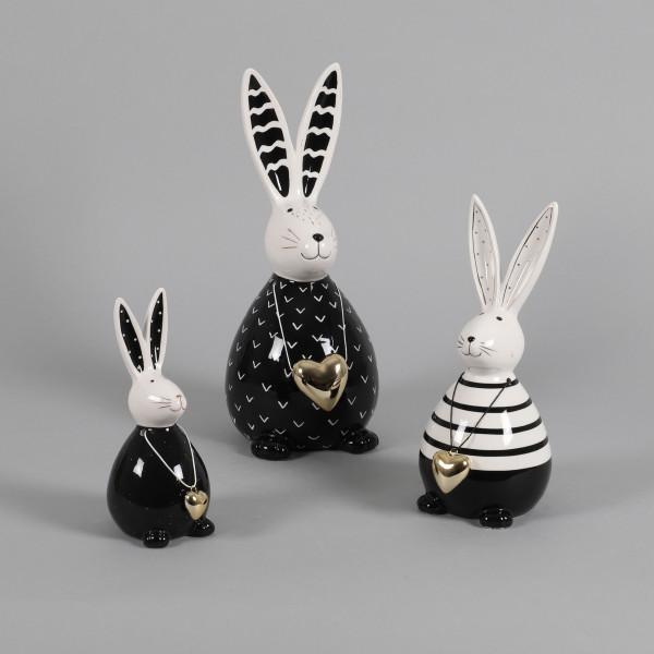 Keramik-Hase Luis stehend,mit goldener Herzkette ,schwarz/weiß